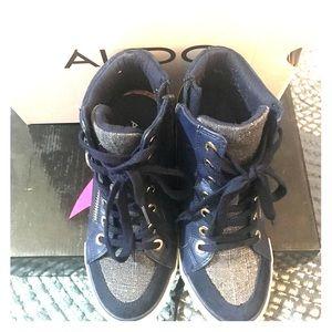 Aldo Tenihills Size 7/12 good condition